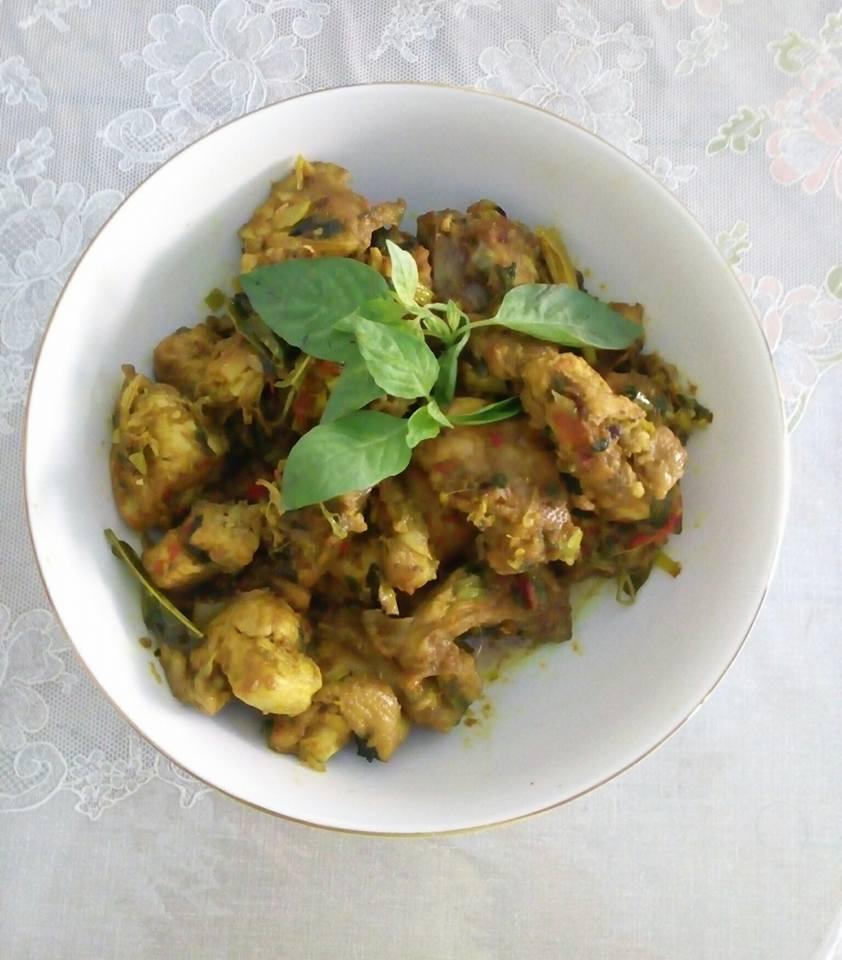 manado ayam woku